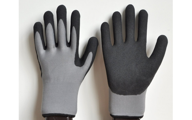 Usage of labor protection gloves